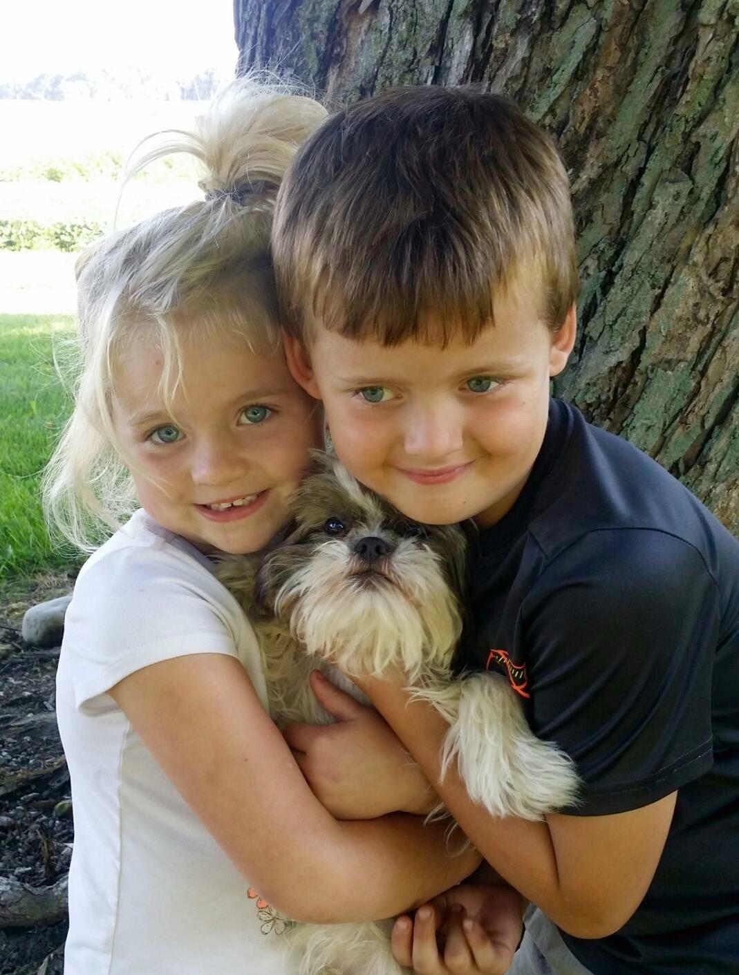 children reunited w dog